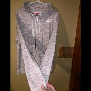 Nike zip up /brand new never worn /so soft & comfy